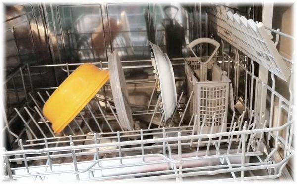 dishwasher vs hand washing water usage